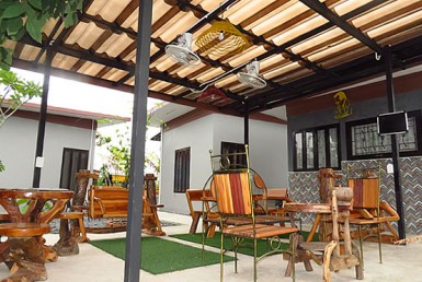 Coffee bar & bungalow for sale in San Sai