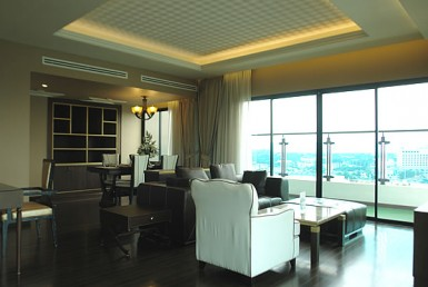 Chiang Mai Penthouse @ The Shine Condo