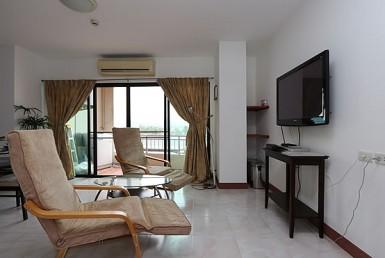 2 BR apartment for sale @ Sritana Condo