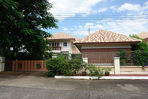 House for sale in San Kamphaeng