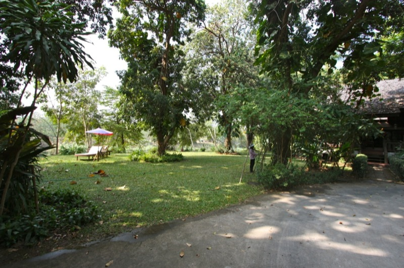 Large river front plot for sale in San Phee Suea