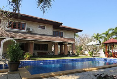 4 BR home with pool for rent in Doi Saket
