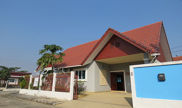 3 bedroom home with pool for rent in Doi Saket