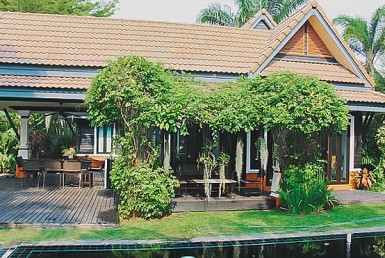 home with pool for sale in San Kamphaeng