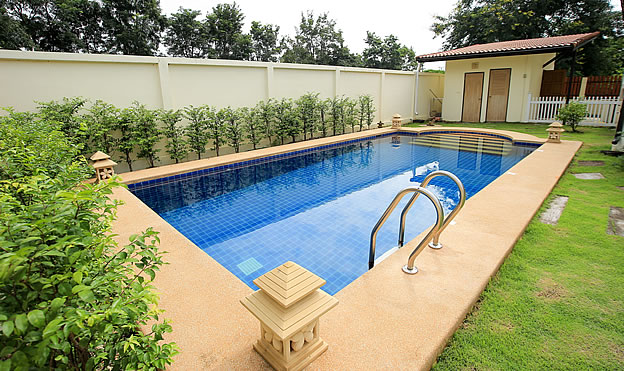 bungalow with pool for sale in Hang Dong