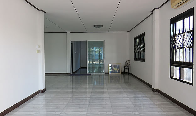 6 BR family home for rent in Chiang Mai city