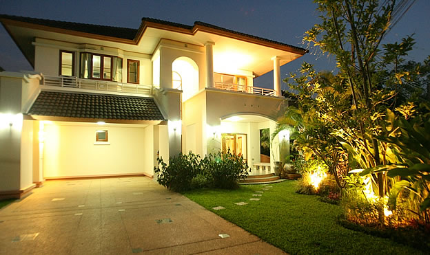 Superior 2 storey home for rent in Chiang Mai city
