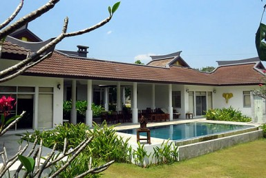 Oriental Style Villa for rent in Mae On