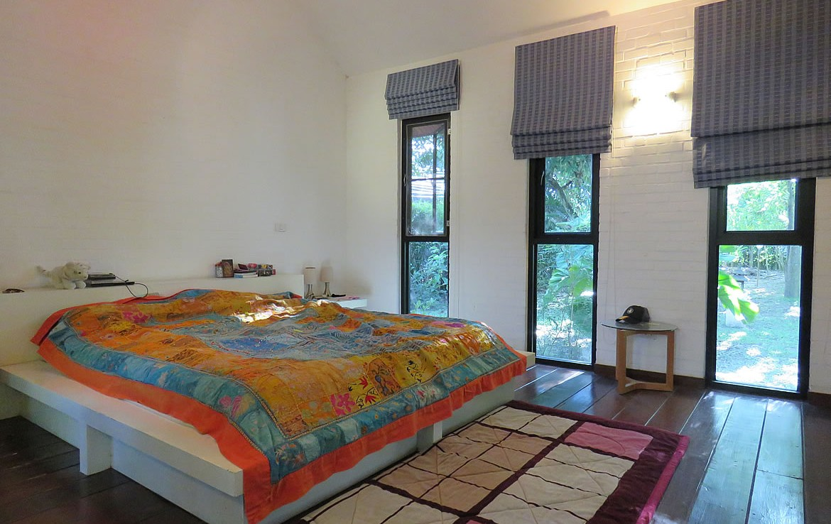 home with pool for sale in Hang Dong