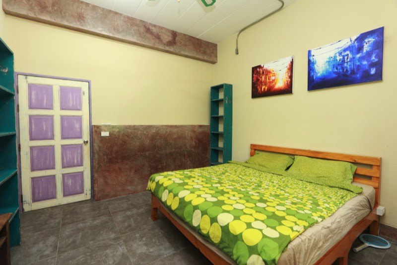 family property with pool for sale in Saraphi