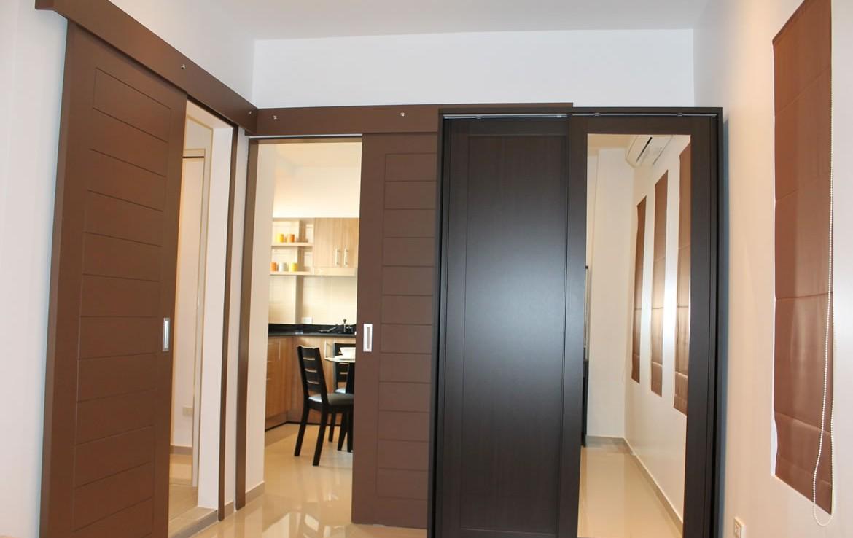 renovated 2 BR condo for rent @ Srithana